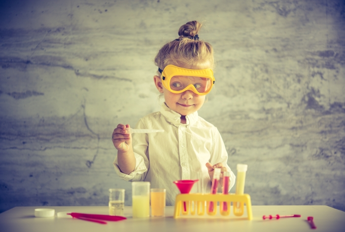 little_girl_scientist